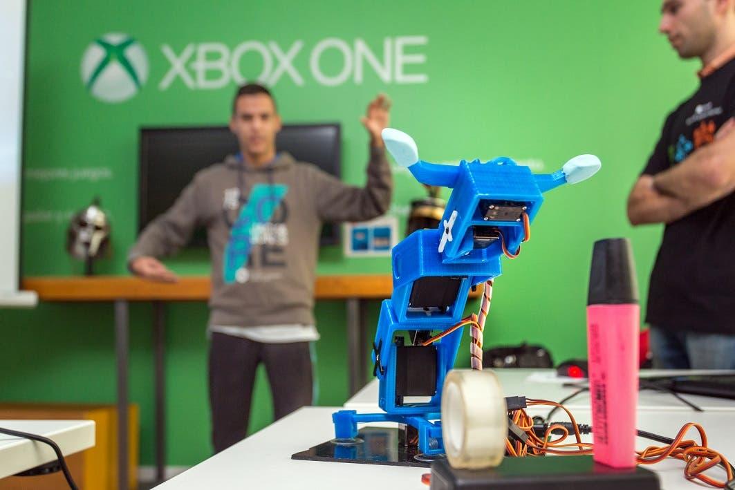 03 - La Hora del Código, Microsoft - Brazo robótico controlado con Kinect