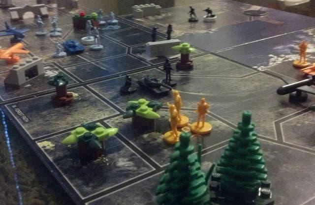 risk-battlefield-board-game-3