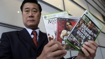 Condenan por tráfico de armas a un senador americano que estaba en contra de los videojuegos violentos 2