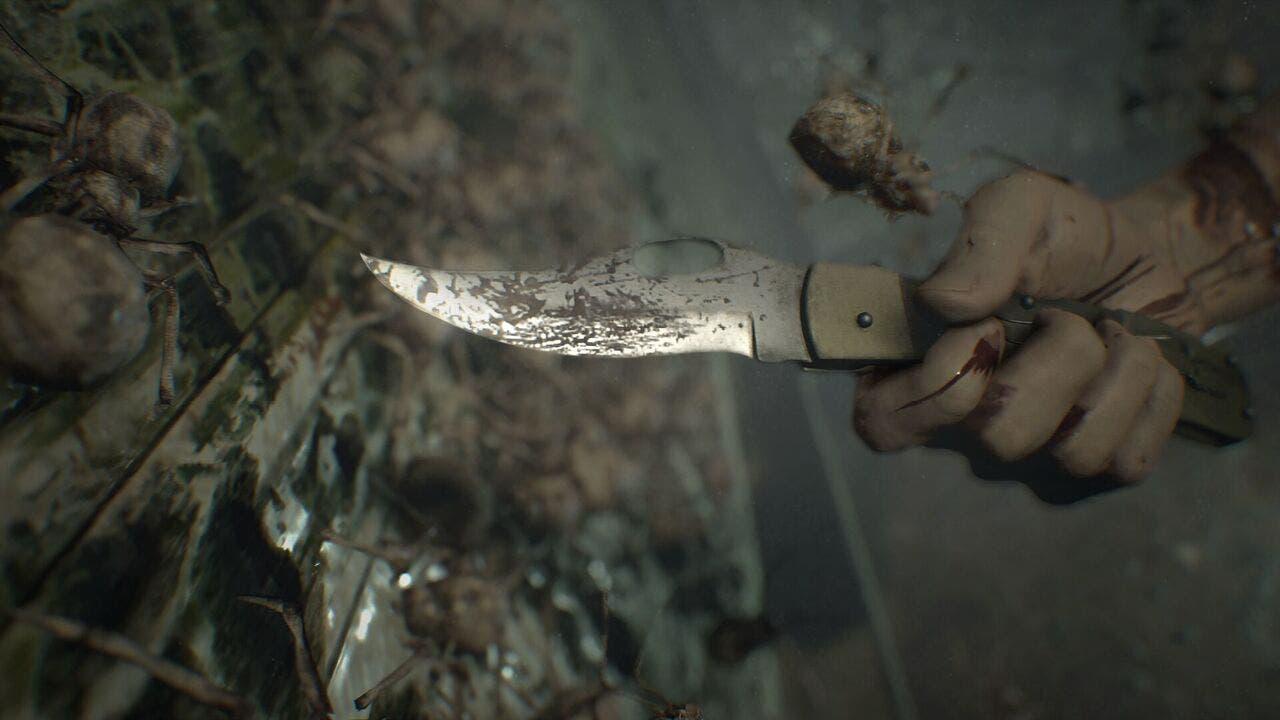 El cuchillo será lo primero que consigamos en Resident Evil 7. Sirve para alejar enemigos y romper cajas.