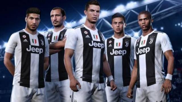 Un fan de la Juventus utiliza el escudo inventado en FIFA 20 para apoyar al equipo en el mundo real 1